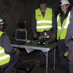 Mme Marie QUEAU avec les techniciens de Camexplo dans des galeries souterraines