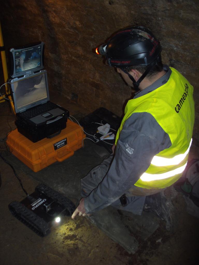 Préparation du robot Mike pour une inspection de galerie à accès restreint de 38m