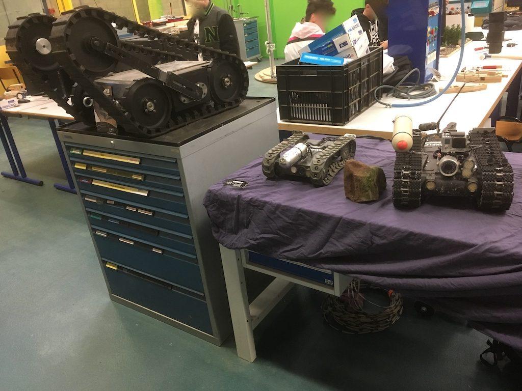 3 robots camexplo en exposition à couffignal